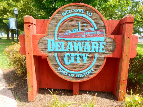 Delaware City Welcome Sign